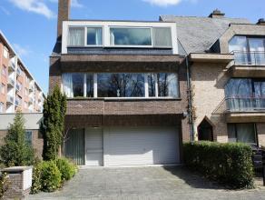 Unieke ligging van een groot instapklaar herenhuis (307 m² bewoonbare opp) met tuin in centrum Dendermonde in een rustige doodlopende straat (met groo
