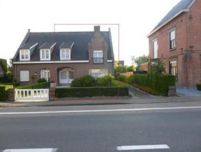 Koppel Vila gelegen op de Iepersesteenweg te Veurne.<br /> Ruime leefruimtes en 3 ruime slaapkamers.<br /> Zolder + Kelder<br /> tuin met garage.<br /