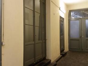 Duplex (90 m²) avec Loft dans maison de maître récemment rénovée situé au centre ville<br /> <br /> Ce Duplex est composé de deux étages de 45m² chacu