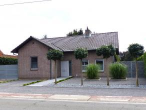 Een landelijke woning gelegen te Beverlo op 6 are 23 centiare met zowel binnen als buiten moderne toetsen. De woning bevindt zich in een zeer degelijk