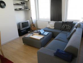 In optie - gelieve voorlopig geen contact op te nemen!<br /> <br /> Instapklaar appartement met veel lichtinval, recent vernieuwd (2009), met open woo