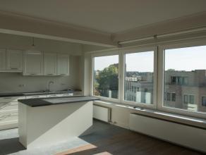 Volledig gerenoveerd 2-slaapkamerappartement (bovenste, 5de verdieping) met prachtig uitzicht over Hasselt en een zeer gunstige ligging op de kleine r