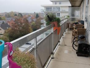 appartement met prachtig panoramisch uitzicht. 2 slaapkamers, vrij ruime living, keuken, badkamer,wc,berging,kelder op gelijkvloers. ruim terras.