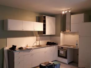 Appartement  une chambre complètement rénové .<br /> Idéalement situé au milieu du quartier piétonnier animé » le carré », rue  pont  d'Avroy , 29, 4A