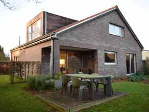 Deze woning is jarenlang een liefdevolle thuis geweest en is nu op zoek naar nieuwe eigenaars!<br /> ?<br /> Gelegen op een uitstekende locatie ineen