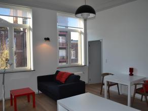 Luxueus appartement met 1 slaapkamer<br /> Volledig gerenoveerd herenhuis biedt 5 luxueuze appartementen.<br /> Volledig uitgeruste keuken met koelkas