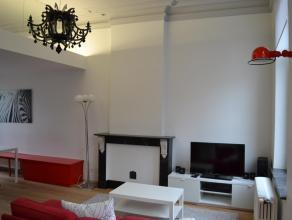 Appartement 1 chambre<br /> <br /> Maison de maître entièrement rénovée en appartements.<br /> Cuisine hyper-équipée (frigo, freezer, four, lave-vaiss
