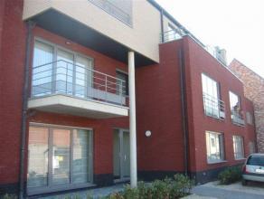 Ruim instapklaar gelijkvloers appartement met terras, afsluitbare garage en kelderberging op een toplocatie in Hasselt.<br /> In een rustige omgeving