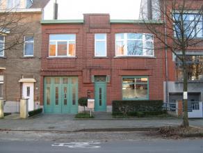 Ruime recent gerenoveerde GEZINSWONING (terrein: 339 m² - gevelbreedte: 9m) met zuidgerichte tuin op toplocatie in een rustige kindvriendelijke buurt