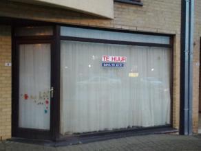 Leuke gelijkvloerse studio met grote ramen aan de zuidkant, heel licht (dubbel glas). Geen vaste lasten! Rustige woonwijk met enkel plaatselijk verkee