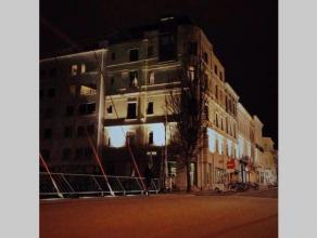 Uniek appartement in de Gentse binnenstad met een prachtige ligging aan de Leie op 2' van de Graslei.<br /> Het pand is zuid-westelijk georiënteerd wa