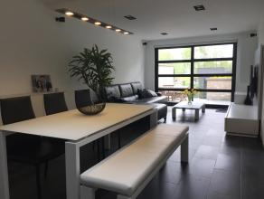 Instapklare woning gelegen aan de stadsrand van Beveren-Waas. Kosten nog moeite werden gespaard om deze woning tot een prachtig geheel te maken. De wo