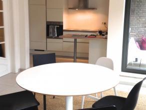 2-slaapkamer appartement volledig vernieuwd in 2016 op toplocatie! Gelegen in de binnenring van Hasselt op 1min wandelafstand  van het Kolonel Dusartp
