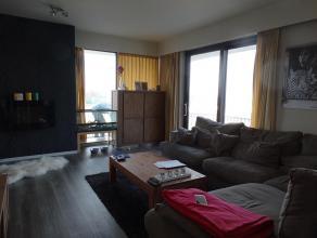 Volledig gerenoveerd lichtrijk appartement met 2 slaapkamers<br /> <br /> Ruim appartement van 90m² op wandelafstand van het centrum van Roeselare in