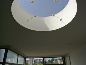GRATIS recreatie-ruimte + kantoorruimte bij dit uitzonderlijk zonnige DUPLEX APPARTEMENT met 3 SLP kamers, op prachtige ligging tussen 3 parken in Wil