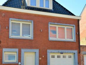 Deze volledig gerenoveerde en lichtrijke woning met zeer ruime garage is gelegen in de stadsrand nabij Sint-Kruis en de Dampoort. Zeker het ontdekken