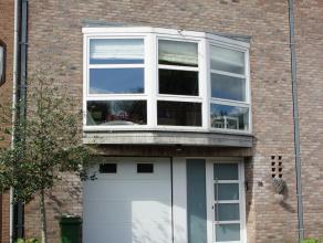 Instapklare bel-etagewoning in moderne stijl. De woning heeft een toplocatie in een residentiële wijk tussen het groen van de Kesselberg en het Provin