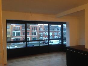 Appartement met loftkarakter, 2 slaapkamers, aparte berging en tuin op toplocatie. Gelegen op de 1 ste verdieping. Geen gemeenschappelijke kosten, gar
