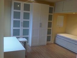 Superbe studio, idéalement situé à Salzinnes (proximité Sainte-Elisabeth, bus et toutes communications). Meublé. Très lumineux - Résidence très calme