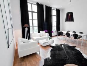 Onze minimalistische stijl volledig gemeubileerd luxe appartement voor twee is gelegen in een van de meest prestigieuze gebieden in Brussel. Binnen 5