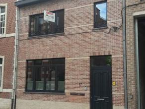 Luxe duplex appartement huisdieren toegelaten gelegen in hartje Tienen namelijk 'Dokter Geensstraat 17, 3300 Tienen'.<br /> <br /> Ongeveer 50 meter v