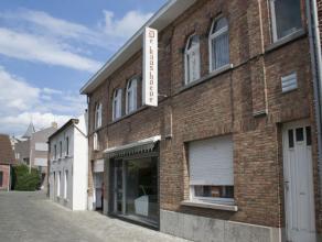 Huis in het centrum van Opwijk gelegen. Het huis is een voormalige beenhouwerij geweest. Er is een grote keuken, een living, een badkamer, een opbergh