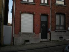 A vendre une excellente maison 3 façades ( passage latéral), situé aux biens communaux à Seraing , quartier très calme sur les hauteur de Seraing.  co