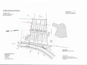 Vier percelen bouwgrond, gelegen aan de Voorheide, Arendonk, rechts naast huisnummer 21. Allen geschikt voor Half-open bebouwing.   De toegang tot de