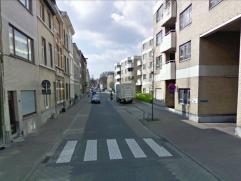 Mooie ondergrondse parkeerplaatsen in Antwerpen (oud Berchem), dicht bij militair hospitaal, op de hoek Boomgaarstraat/Helenalei. Huurprijs: 70 EUR +