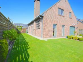 Open bebouwing in landelijke stijl met een zéér gunstige ligging te Dendermonde Deze gezellige vrijstaande woning is gebouwd in 1985 met