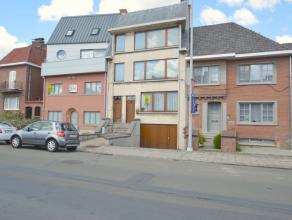 Ruime woning die kan gebruikt worden als kangoeroewoning of voor het uitoefenen van een vrij beroep in het hartje centrum van Dendermonde. Deze authen