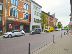 Prachtig nieuwbouw appartement in het centrum van Dendermonde Dit ruim nieuwbouw appartement is gelegen in het hartje van Dendermonde, middenin het wi