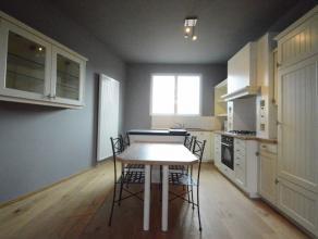 Totaal gerenoveerd appartement in het hartje van Dendermonde Dit prachtige appartement bevindt zich in het hartje van Dendermonde, dicht bij winkels,