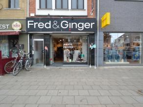 Mooi handelspand te huur in het centrum van Dendermonde Dit handelspand is zeer commercieel gelegen in het hartje centrum van Dendermonde.Zijn uitstek