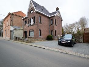HOB te Oudegem Verder af te werken woning met karakter, gelegen in een rustige straat (dorpje Oudegem, deelgemeente Dendermonde). De rustige, zeer gro