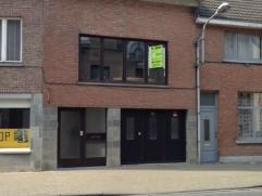 Deze ruime bel-etage woning bevindt zich in het gezellige centrum van Temse, met zijn zeer goede verbindingen naar (Antwerpen/Brussel/Gent) en op enke