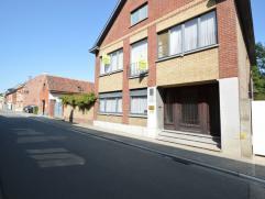Ruime gezinswoning te Oudegem.Het geheel is ingeplant op een perceel van 433 m². en heeft een bewoonbare oppervlakte van 248m².G