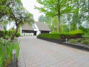 Ruime charmante, residentieel gelegen villa in Dendermonde Deze uitzonderlijke villa gelegen in een doodlopend straatje met ruraal karakter heeft een