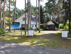 Rustig gelegen woning te Bonheiden op een perceel van ca 15 are in een residentiele omgeving vlakbij het dorp van Rijmenam.   Deze woning werd gebou