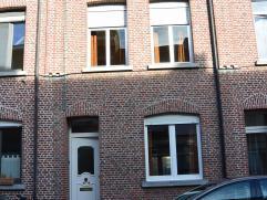 Leuke te renoveren woning nabij het Vrijbroekpark en de Leuvensevaart en tevens op wandelafstand van het centrum!   Veel mogelijkheden en bijkomend