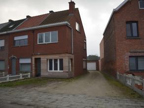 Goed gelegen, grotendeels gerenoveerde woning met 3 slaapkamers  nabij het centrum van Bonheiden. Gelegen op een perceel van ca 4 are. Lagere school,
