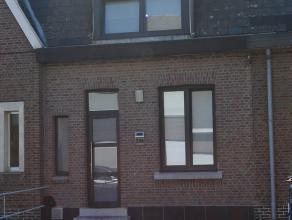 Gezinswoning net buiten centrum Mechelen en aan de rand van Sint-Katelijne-Waver. Deze woning met parkeergelegenheid voor de deur is instapklaar. Via