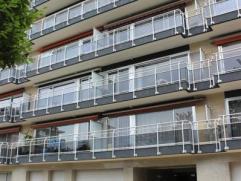 Koekelberg: Dans un quartier calme et facile d'accès, Century 21 Invest vous propose un appartement à louer, composé d'un hall d'