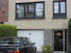Berchem-Sainte-Agahte: Vous êtes à la recherche d'un appartement à louer dans un quartier calme? Immeuble avec peu de charges? Pro