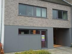 Instapklaar appartement op het gelijkvloers .Volledig gerenoveerd gebouw in 2012 met alle comfort ( Dubbele beglazing, Hr+ketel,...) 1 ruime slaapkame