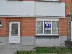"""Appartement rez de chaussée, 2 chambres, terrasse et jardin. L""""appartement est situé dans le centre de Laken, tout près des magas"""