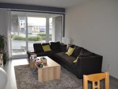 TE HUUR : Gelijkvloers appartement met twee slaapkamers instap klaar. Het appartement heeft een ruim terras met tuintje. Ideale ligging dichtbij het c