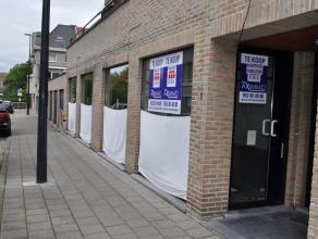 Handelsruimte met een oppervlakte van 67 m², centraal gelegen in Aalst. Het pand biedt verschillende mogelijkheden zoals kleine winkel, bureel, c