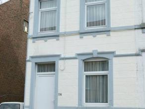 Dans un quartier calme, agréable et proche de toutes les commodités, bonne maison nécessitant d'être modernisée avec