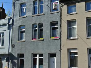 En plein Centre de la Ville de Binche, appartement tout confort situé au deuxième étage d'un petit immeuble. <br /> Composition
